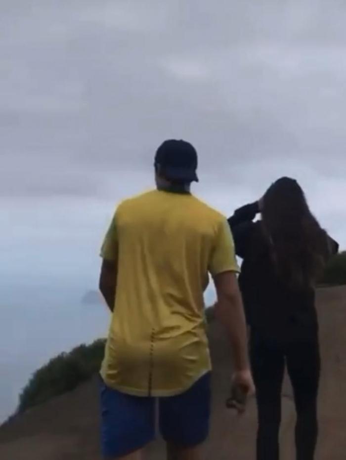 Juliana Paiva e Nicolas Prattes em trilha - Divulgação