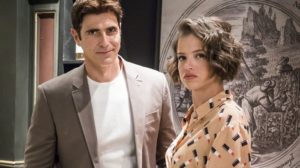 Régis (Reynaldo Gianecchini) e Josiane (Agatha Moreira) seriam Léo e Lurdes em A Dona do Pedaço (Foto: Globo/Victor Pollak)