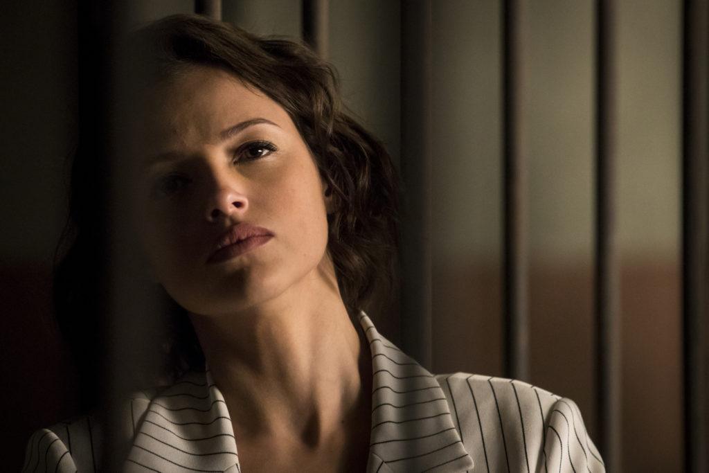 Josiane (Agatha Moreira) será presa em A Dona do Pedaço