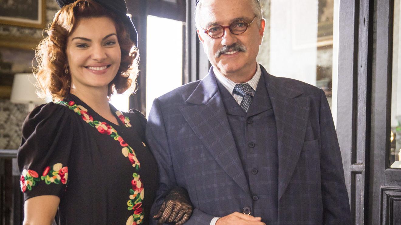 Assad (Werner Schünemann) e Karine (Mayana Neiva) sua noiva em Éramos Seis