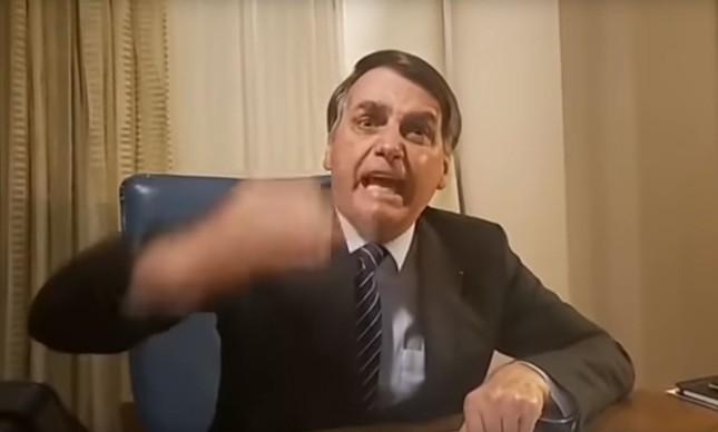 suruba gay O presidente Jair Bolsonaro em live contra a Globo (Foto: Reprodução)