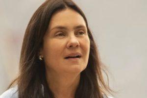 Adriana Esteves será Thelma personagem começará a trama com uma sentença de morte (imagem: divulgação Globo)
