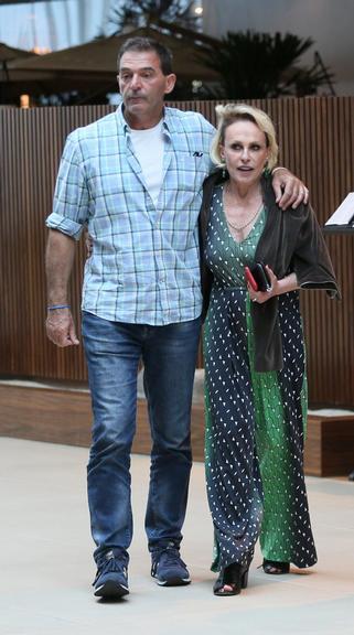 Ana Maria Braga e o namorado (Foto:AgNews/Edson Aipim)