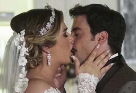 Britney e Abel de A Dona do Pedaço, interpretados por Glamour Garcia e Pedro Carvalho Imagem Reprodução