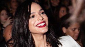 A famosa atriz da Globo e ex-namorada de Neymar, Bruna Marquezine faz ritual para ter sorte no amor (Foto: Reprodução/Instagram)