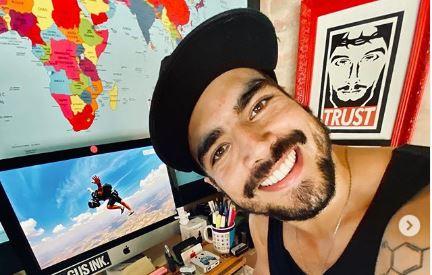 O famoso ator que interpretou Rock em A Dona do Pedaço,da Globo, Caio Castro se revolta durante evento (Foto: Reprodução/Instagram)