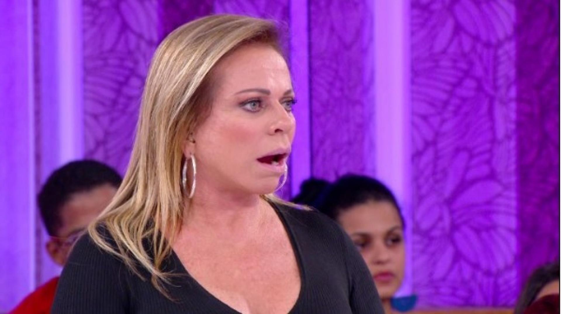Christina Rocha revela caso de traição em Casos de Família no SBT e confusão chama atenção (Imagem: Reprodução)