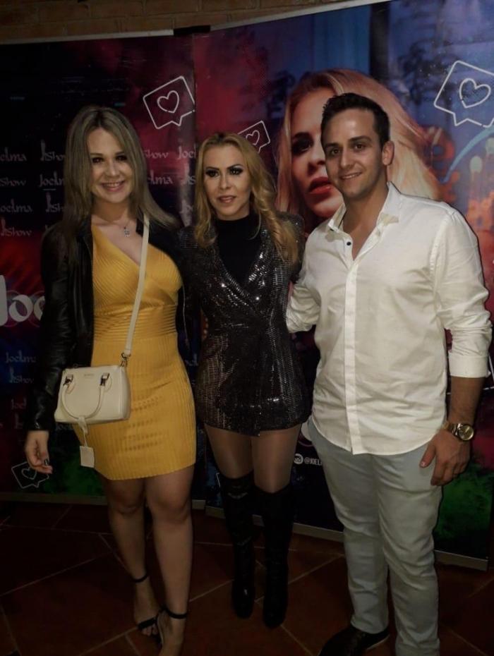 Flávia Alexandrino, Joelma e amigo (Foto: Reprodução)
