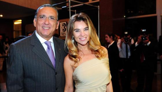 Desirée Soares esposa de Galvão Bueno diz estar tudo bem após comentárista passar mal e precisar ser operado às pressas do coração. Foto: Reprodução