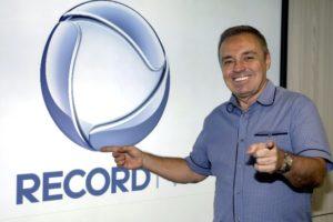 Gugu Liberato apresentava o programa Canta Comigo, na Record - xuxa meneghel