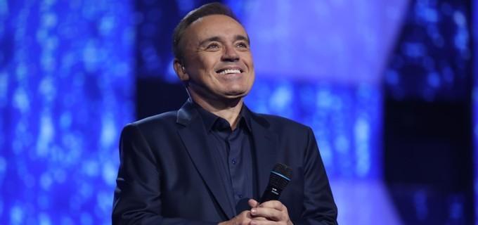 Em homenagem a Gugu Liberato, Record decide continuar com o famoso programa do apresentador, Canta comigo (Foto: Divulgação)