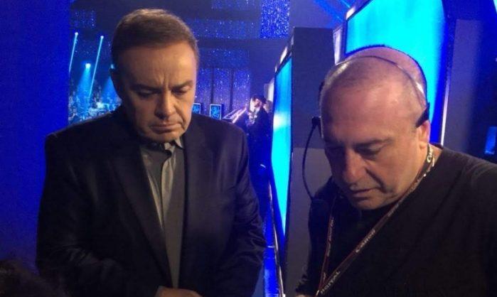 Gugu e o diretor de TV Goiabinha durante as gravações do Canta Comigo (Imagem: Divulgação)