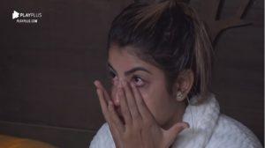 Hariany pensa em desistir do reality rural A Fazenda em véspera de eliminação (Foto: Reprodução/Record TV)