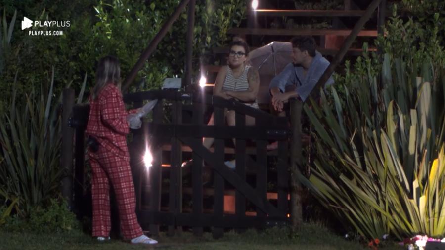 Hariany em conversa com Thayse Teixeira e Lucas Viana na madrugada desta quarta (06), em A Fazenda 11 (Imagem: Reprodução/Play Plus)