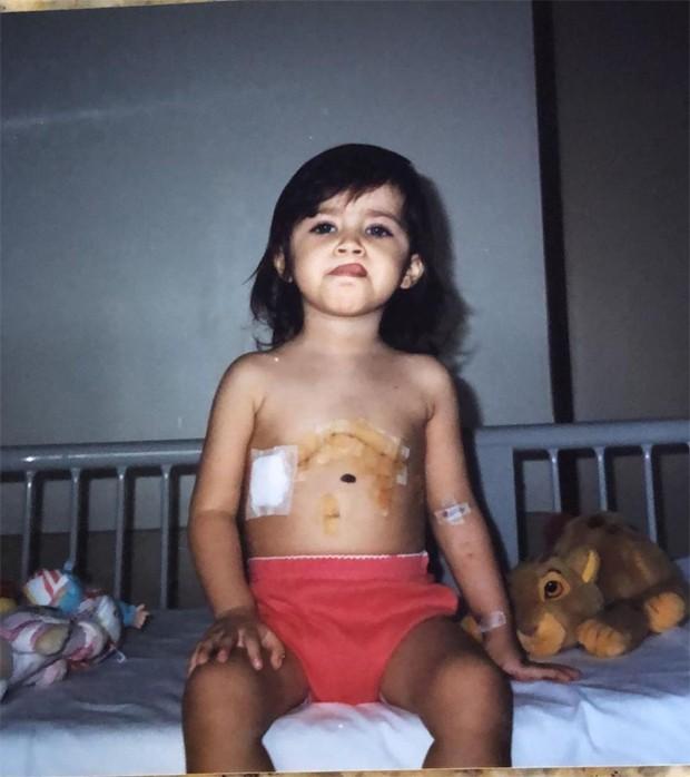 Jéssica Costa mostrou foto da infância após realizar cirurgia cardíaca (Foto: Reprodução/Instagram)