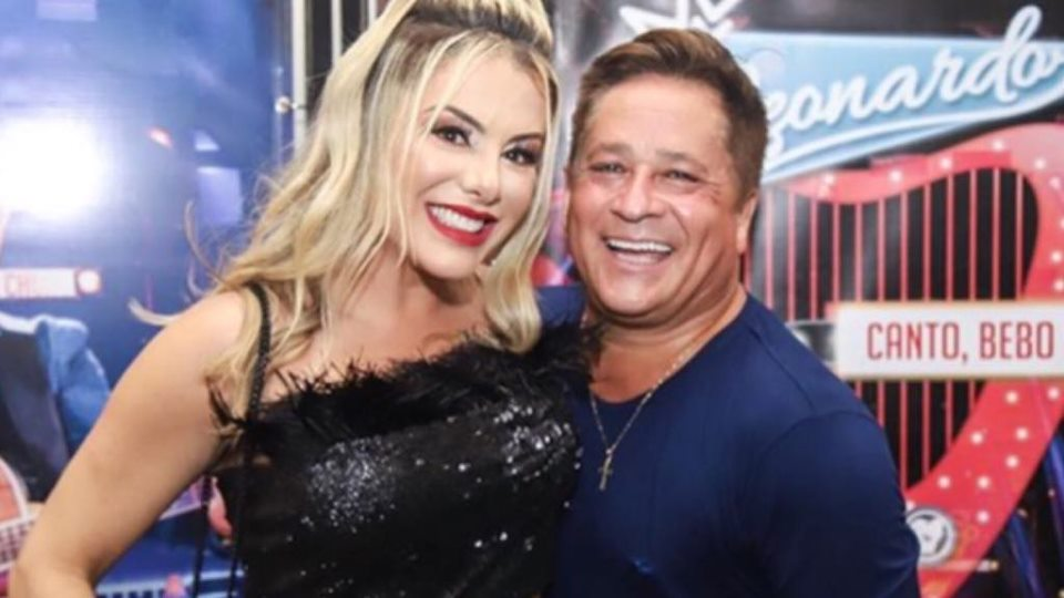 O sertanejo Leonardo parabeniza a esposa Poliana Rocha (Imagem: Instagram)