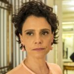 Lídia (Malu Galli) é a esposa de Raul (Murilo Benício) em Amor de Mãe (Foto: Reprodução/TV Globo)