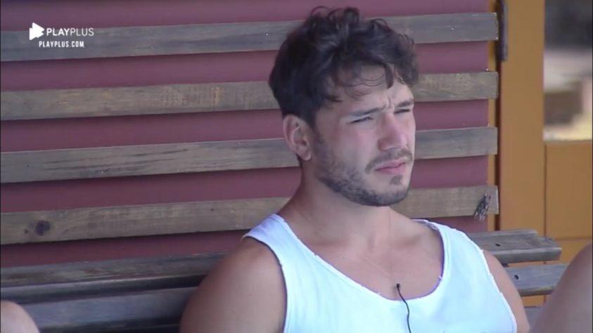 Lucas Viana durante o confinamento 'A Fazenda' (Foto: Reprodução/Record TV)