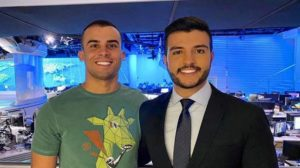 Matheus Ribeiro e Yuri Piazzarollo nos estúdios do Jornal Nacional william bonner