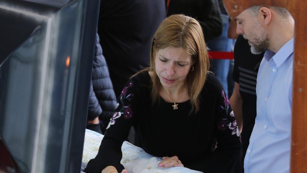 Rose Miriam está bastante abalada com a morte de Gugu (Foto: Francisco Cepeda/ Thiago Duran/Agnews)