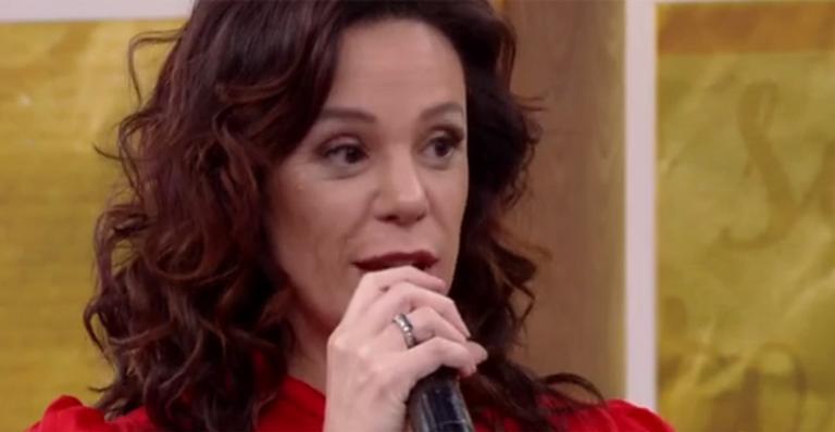 Vanessa Gerbelli fala sobre seu relacionamento à distancia com o ator Daniel dal Farra(Imagem: Reprodução)