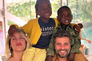 Giovanna Ewbank, Bruno Gagliasso e os filhos (Foto: Reprodução)