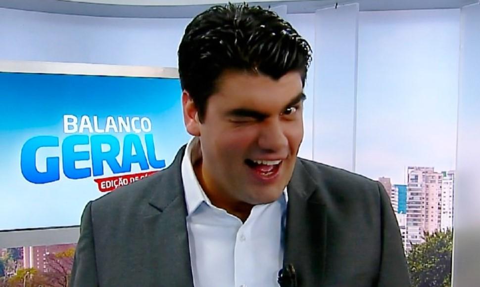 O jornalista André Azeredo reapareceu na Record neste sábado (Foto: Reprodução)