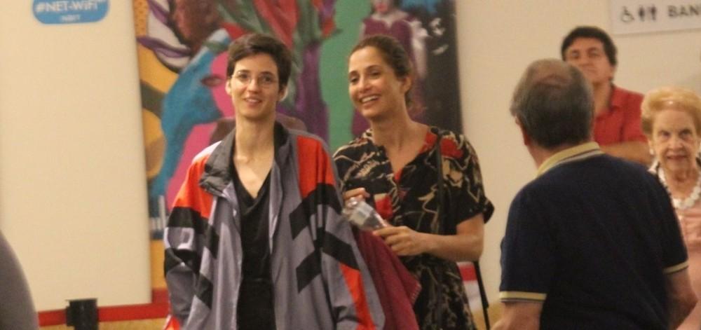 Camila Pitanga e Beatriz Coelho surgiram em público pela primeira vez (Foto: AgNews)