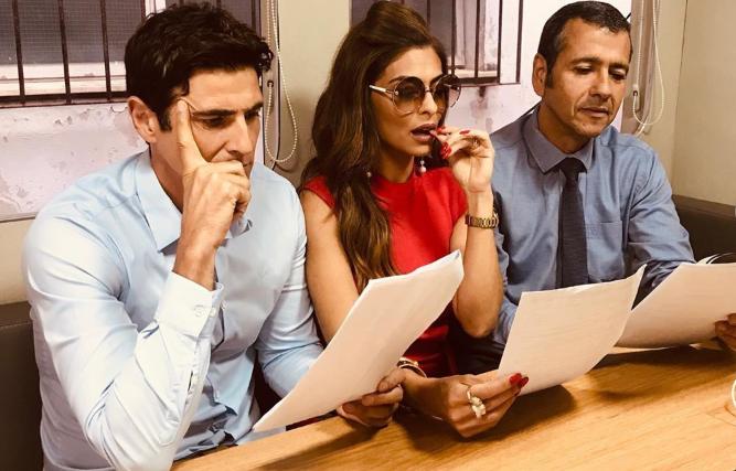 Reynaldo Gianecchini, Juliana Paes e Marcos Palmeira lendo cenas secretas da novela A Dona do Pedaço (Foto: Reprodução/Instagram)