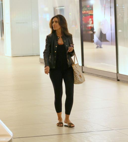 Fátima Bernardes passeia no shopping com cara de poucos amigos e detalhe milionário chama atenção. Foto: Reprodução