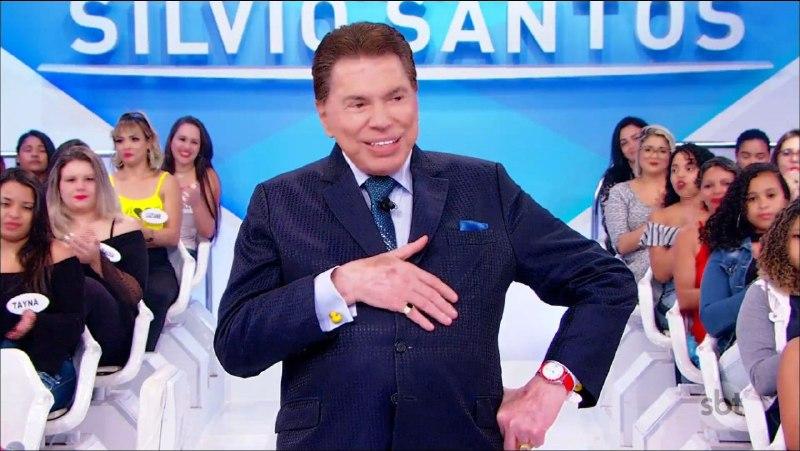 O famoso apresentador e dono do SBT, Silvio Santos voltou a ser acusado de racismo por uma ex-Chiquitita, Júlia Olliver (Foto: Reprodução)