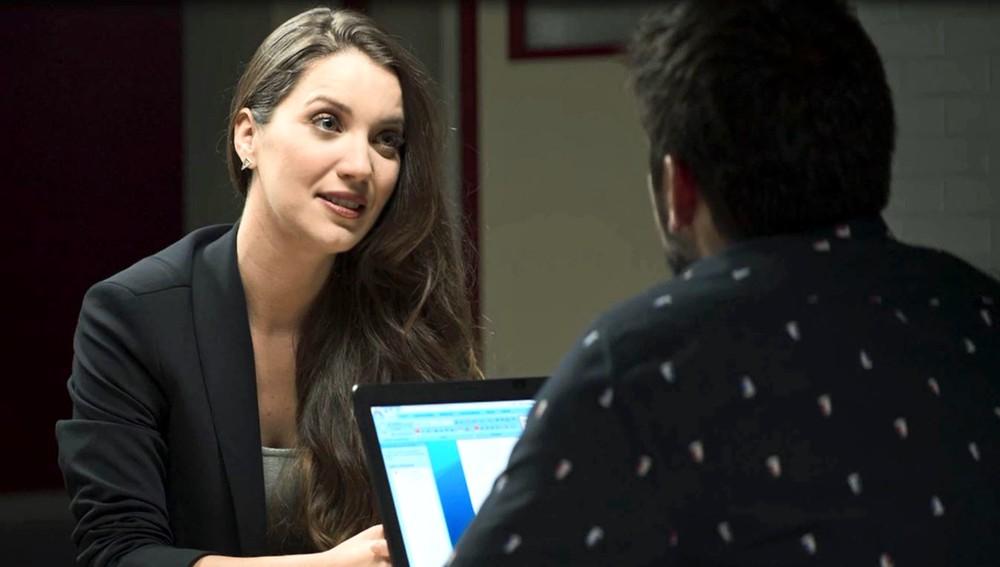 Fabiana e Agno em cena da novela das 21h, A Dona do Pedaço (Foto: Reprodução)