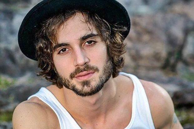 O ator, cantor e filho do Fábio Júnior,Fiuk ousou ao publicar uma foto em sua conta do Instagram (Imagem: Divulgação)