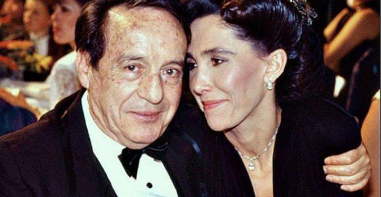Florinda Meza presta homenagem por 5 anos sem Roberto Bolaños (Foto: Reprodução)