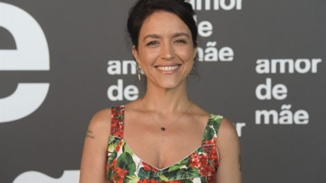 Manuela Dias, autora de Amor de Mãe (Foto: Globo/Estevam Avellar)