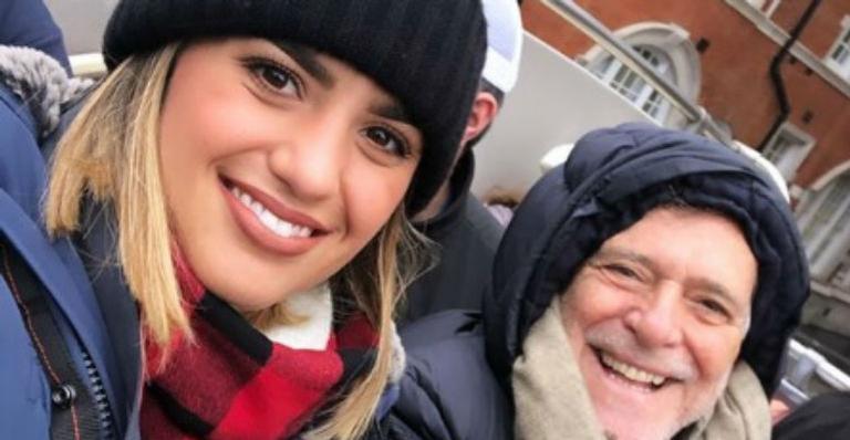 O ator da Globo, José de Abreu e sua namorada, Carol Junger(imagem: Instagram)
