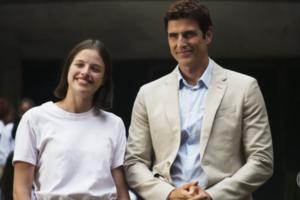 Josiane (Agatha Moreira) e Régis (Reynaldo Gianecchini), que terão final com roubo e morte em A Dona do Pedaço (Foto: Reprodução/Globo)