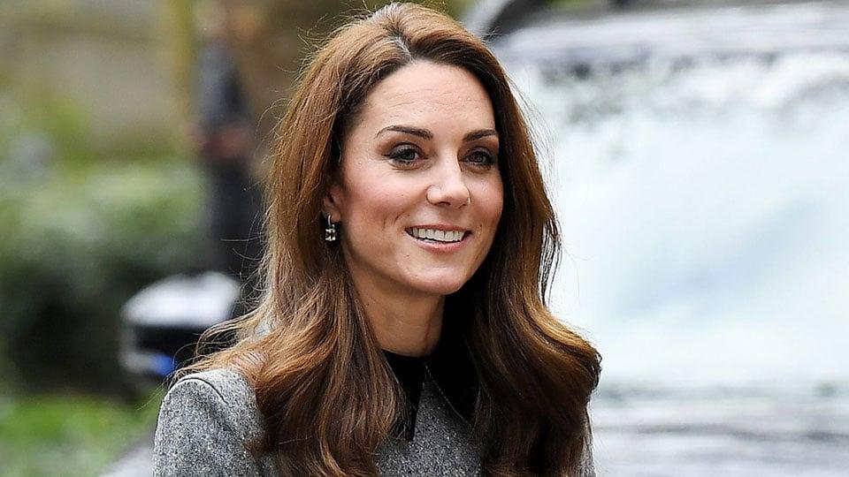 Kate Middleton dá saidinha e bebe com as amigas (Foto: Reprodução)