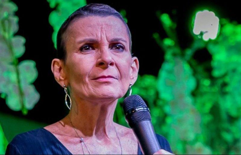 Cantora gospel Ludmilla Ferber, impressiona a todos e diz que acredita no milagre da cura (Foto: Reprodução)