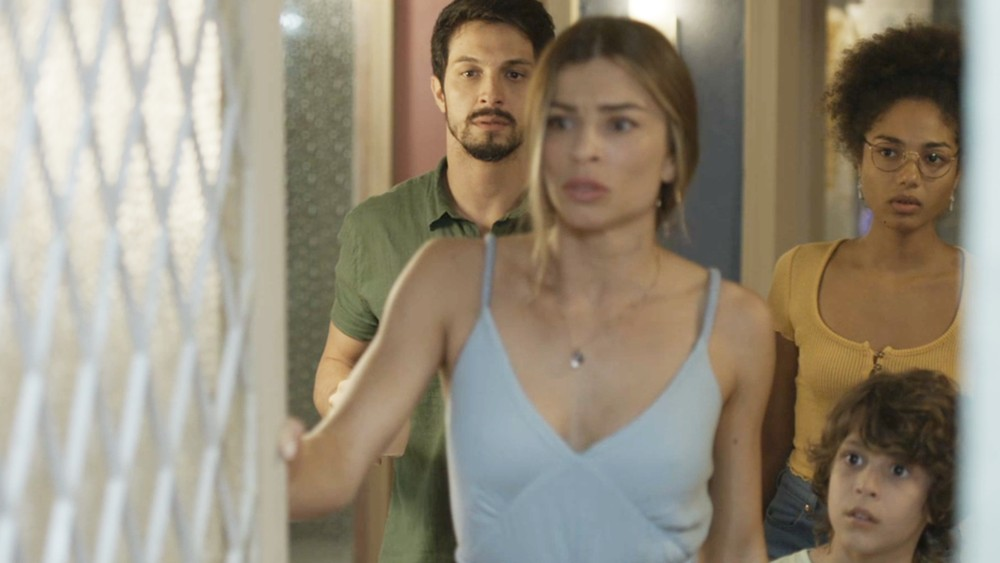 Paloma fica preocupada com estado de Gabriela em Bom Sucesso