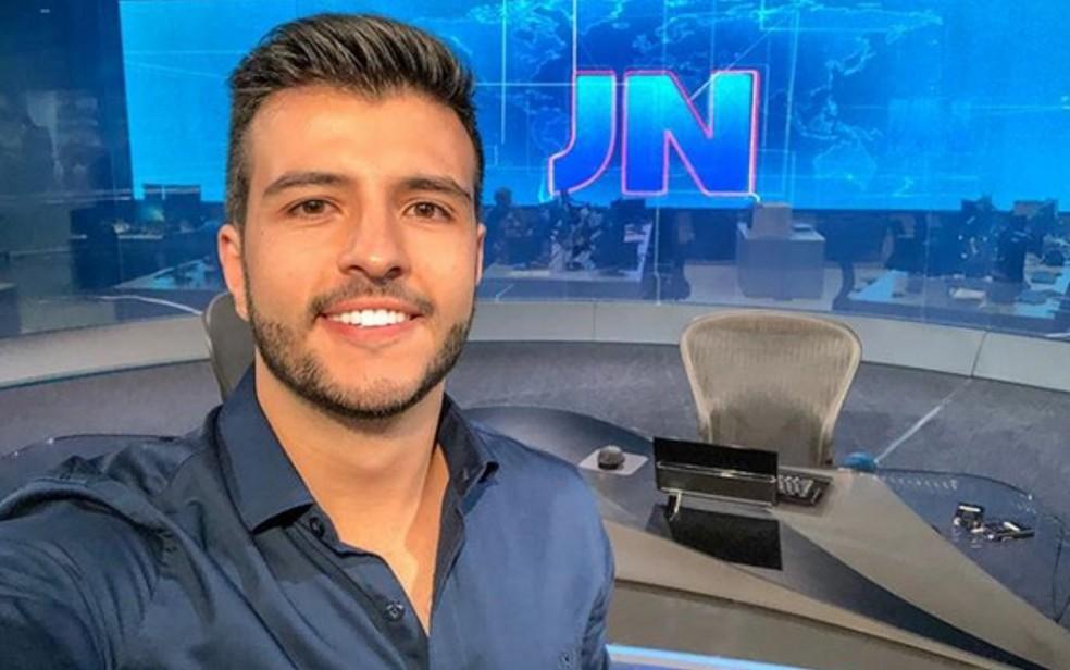 O jornalista Matheus Ribeiro foi escalado para comandar o Jornal Nacional (Foto: Reprodução)
