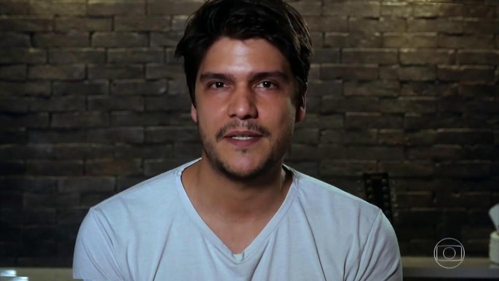 Pedro Curvello, marido de Nathalia, se declarou no palco do 'Domingão' (TV Globo)