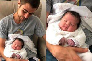 """Tata Werneck e Rafael Vitti mostram o rosto de sua filha pela primeira vez. Porém, a criança ainda """"não tem nome"""". Foto: Reprodução"""
