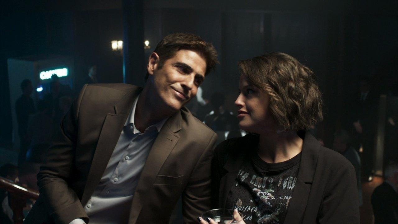 Régi e Josiane em cena da novela A Dona do Pedaço (Foto: Reprodução)