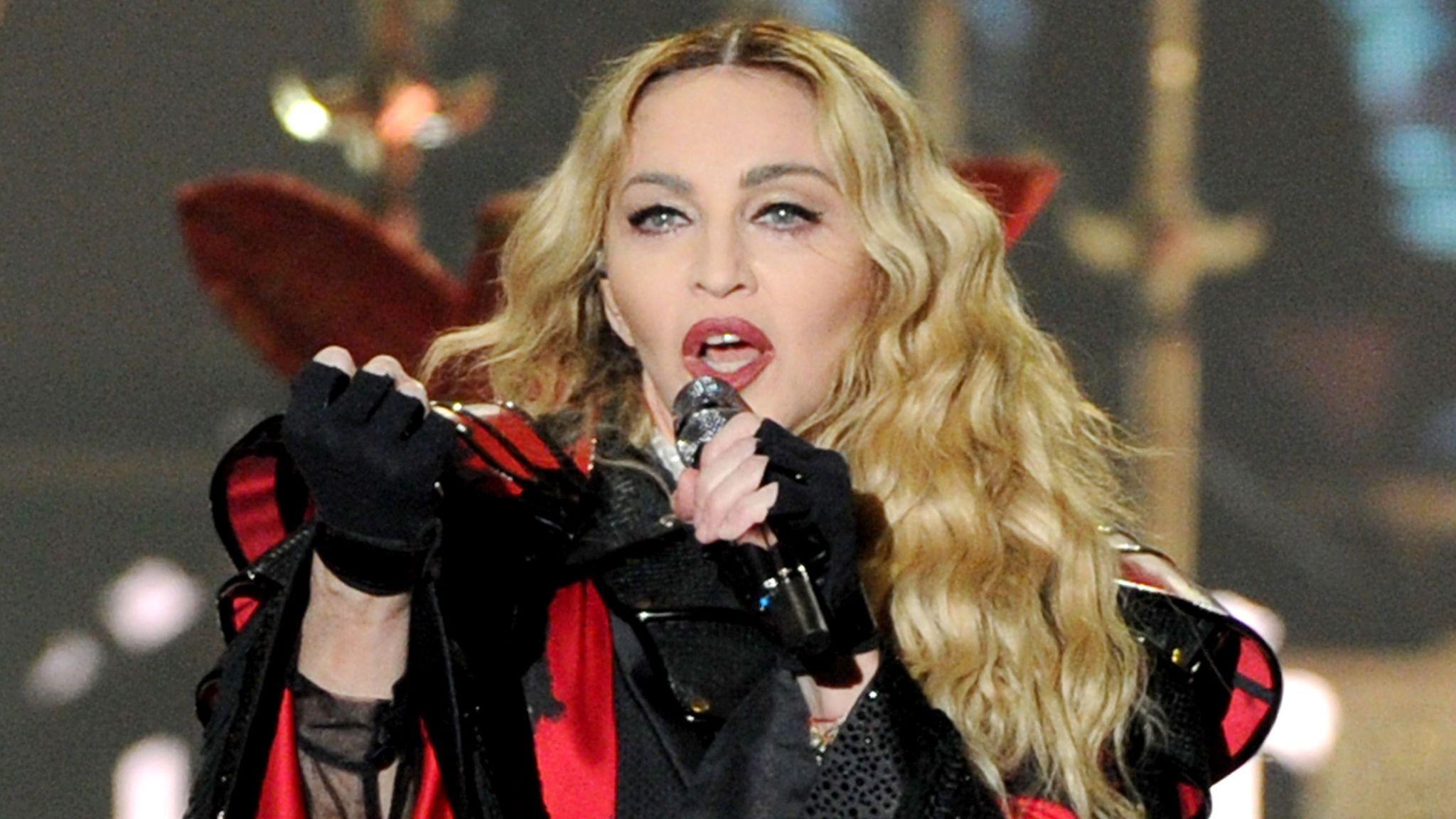 Madonna se explica depois de atrasar e seus shows e afirma que uma rainha nunca se atrasa (Foto: Reprodução)