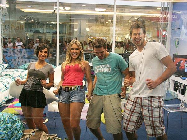 Participantes dentro da Casa de Vidro do BBB20 (Foto: Reprodução)