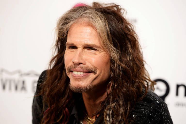 Steven Tyler, vocalista da banda Aerosmith, posa completamente nu e causa (Foto: Reprodução)