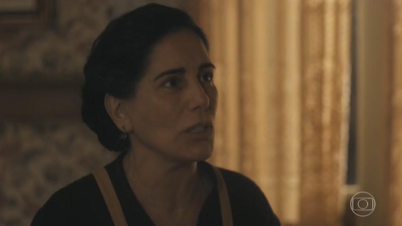 Lola (Gloria Pires) vai dar flagra em Alfredo (Nicolas Prattes) em Éramos Seis (Foto: Reprodução/Globo)