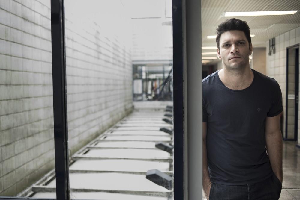 Armando Babaioff vive o Diogo na novela Bom Sucesso (Foto: Foto: Raphael Dias/Gshow)