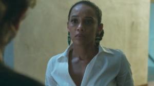 Vitória (Taís Araújo) é a mãe de Sandro (Humberto Carrão) em Amor de Mãe (Foto: Reprodução/Globo)